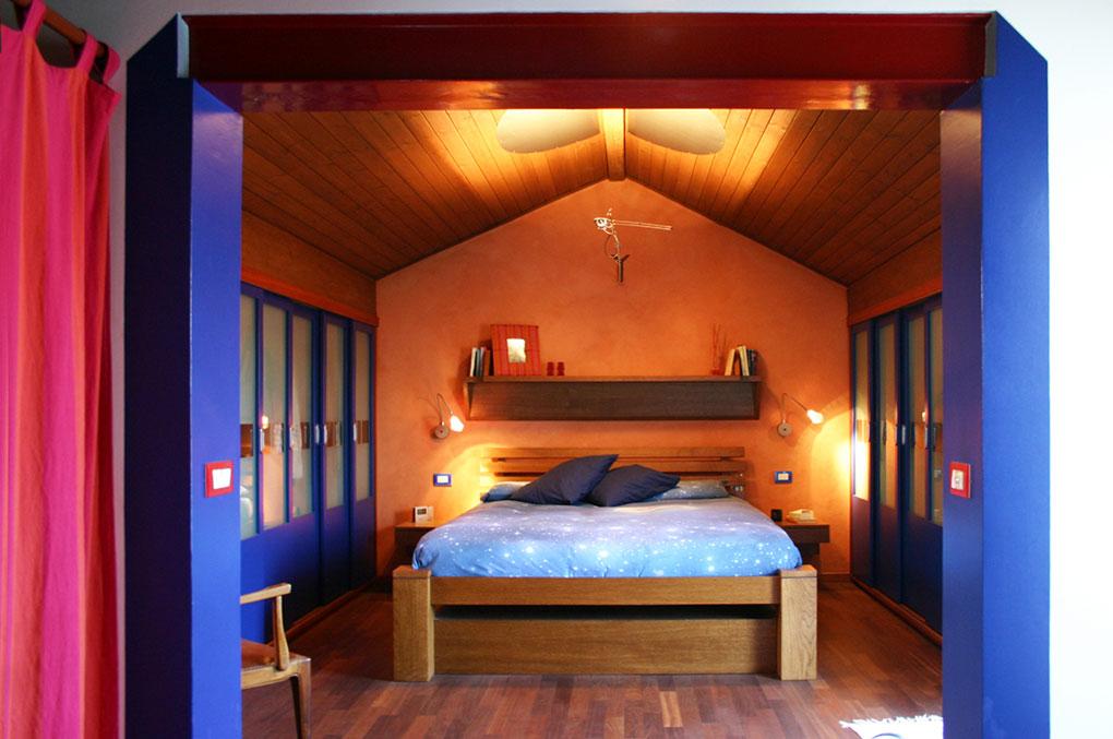 Abitare su due livelli - Camera da letto tetto a vista