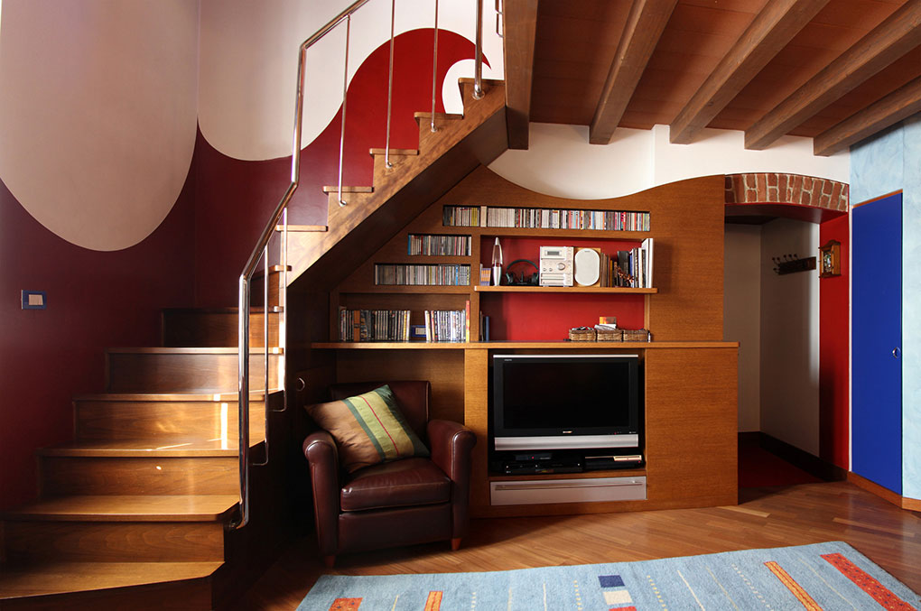 Abitare su due livelli - Scala in legno