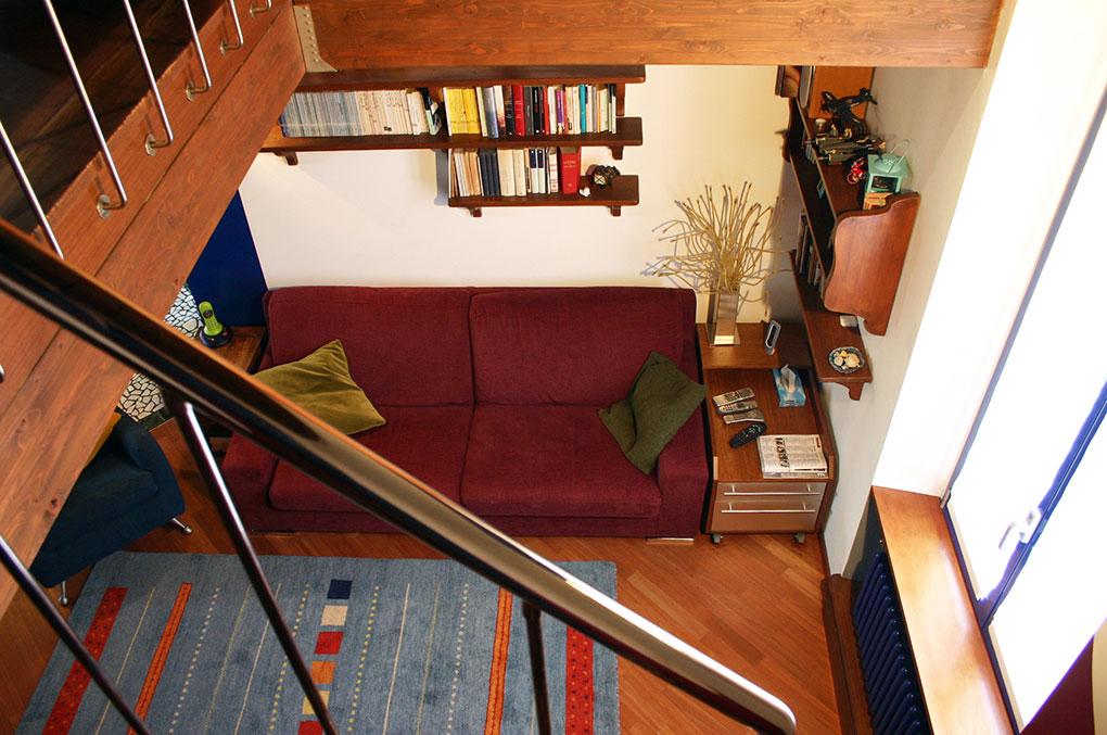 Abitare su due livelli - Zona sottotetto aperta sul soggiorno