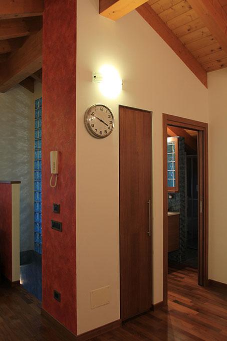 Appartamento con mansarda - Tetto in abete faccia a vista
