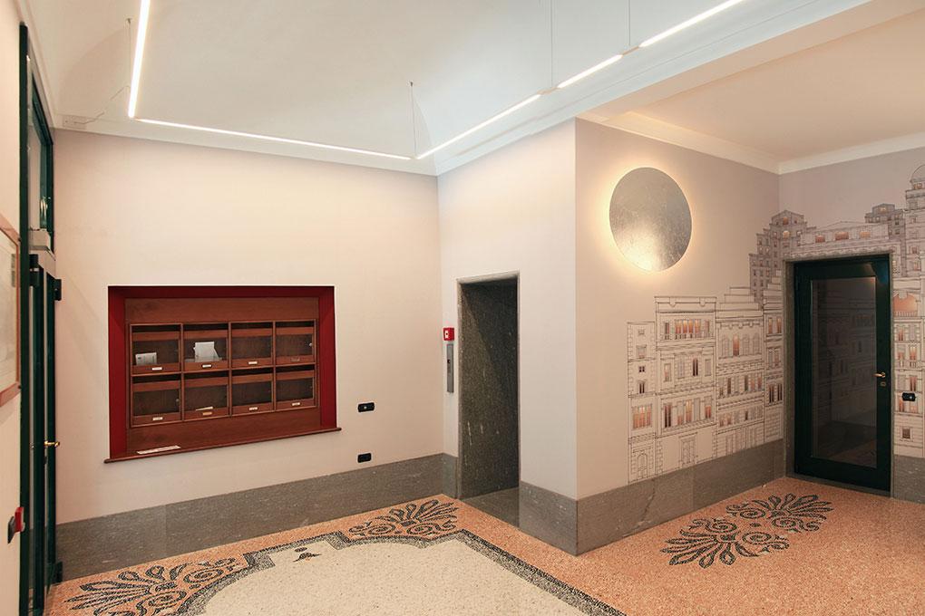 Atrio condominiale Via Sant'Orsola - Vista casellario postale