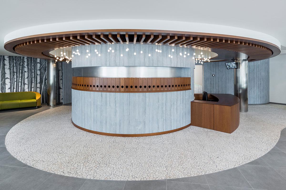 Atrio condominio Via Alberto Mario - Elemento centrale con reception e casellario postale