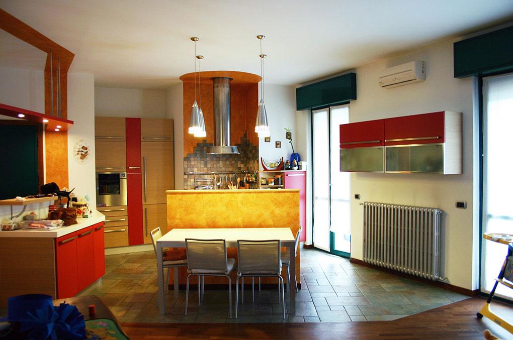 Entrare in un open space - Via Leonardo Soggiorno cucina open space
