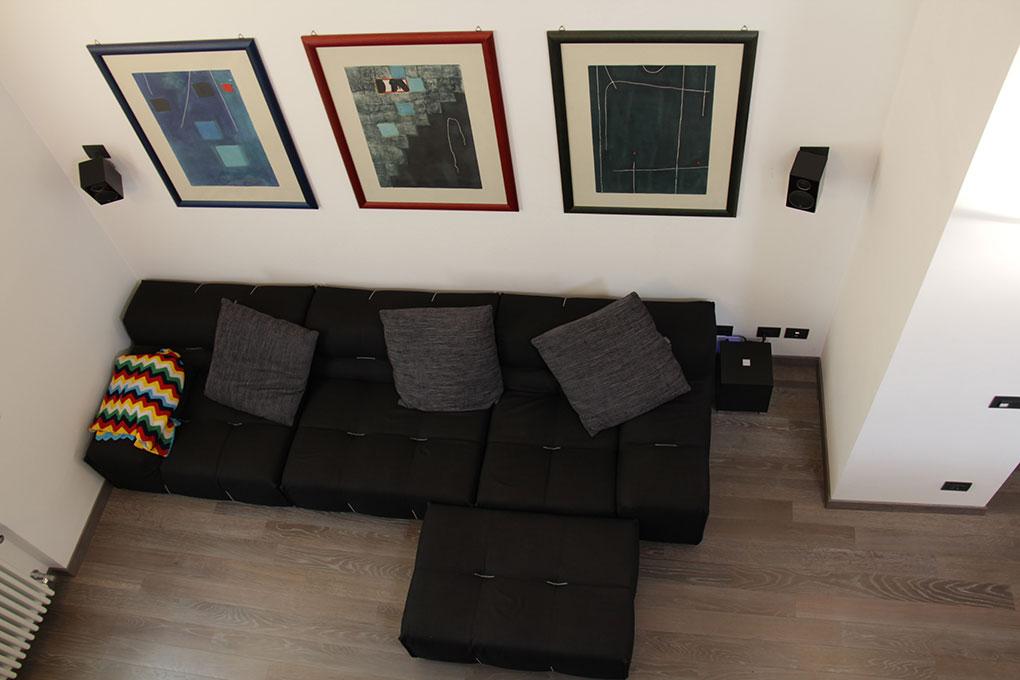 Il sottotetto diventa loft - I divani visti dall'alto