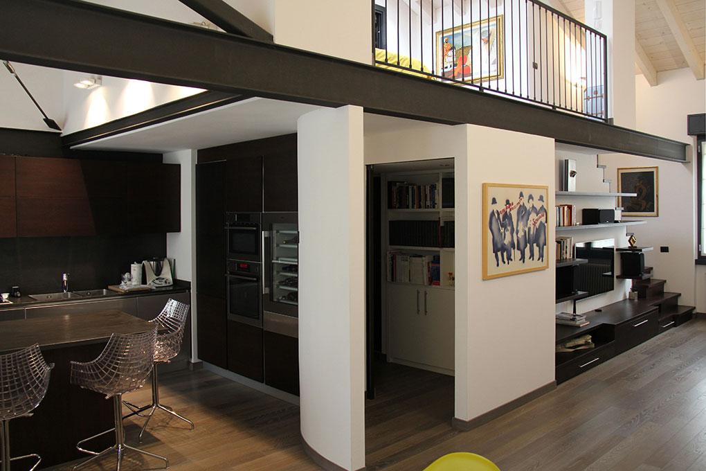 Il sottotetto diventa loft - Zona soggiorno a tutta altezza