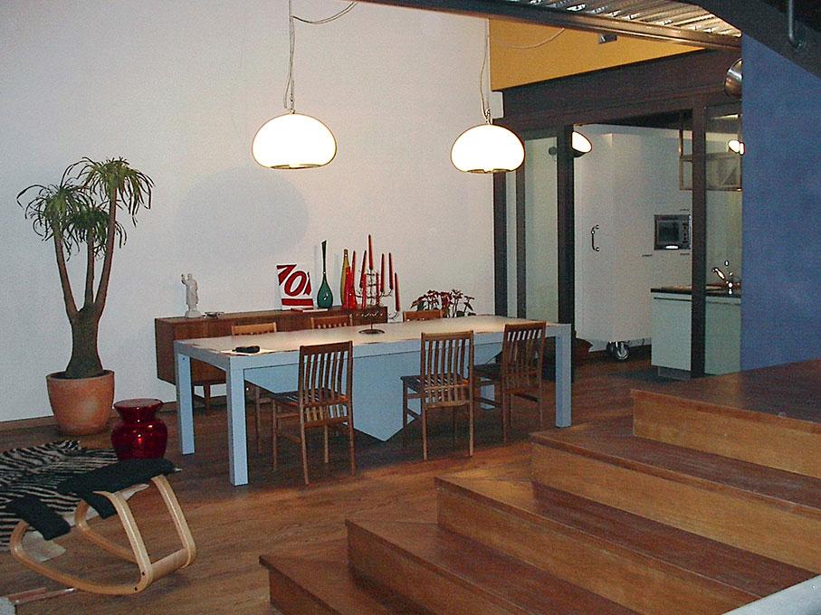 Loft - Tavolo da pranzo con luci sospese