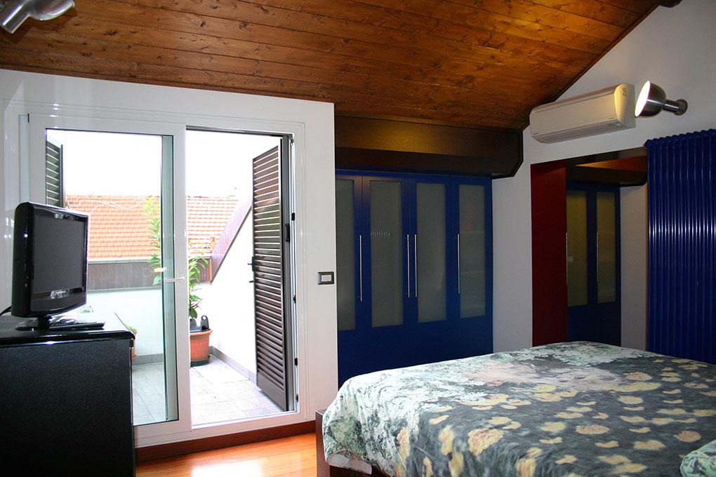 Recupero di sottotetto - Camera da letto con terrazzo