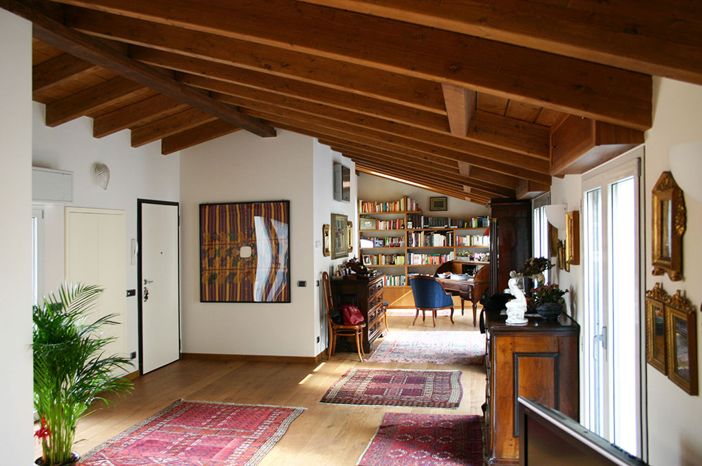 Sopralzo a mansarda - Copertura in legno di abete a vista