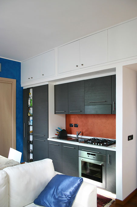 Terrazzo con appartamento - Via Montegani Modulo cucina in nicchia