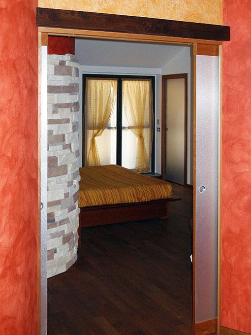 Unione di due appartamenti - Via Cavour Accesso camera matrimoniale porte a scomparsa
