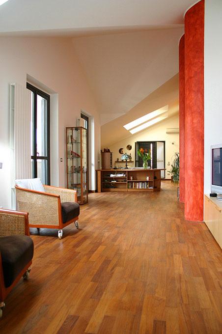 Unione di due appartamenti - Via Cavour Spazi a tutta altezza