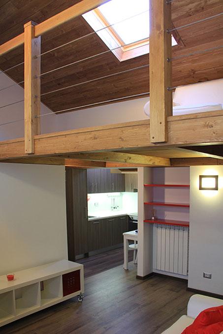 Vivere in soffitta - Via Pellizza da Volpedo Soppalco con velux sottotetto