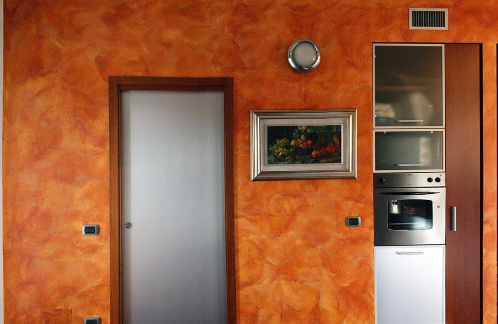 Zona giorno a doppia esposizione - Via Stendhal Dispensa incassata nel muro