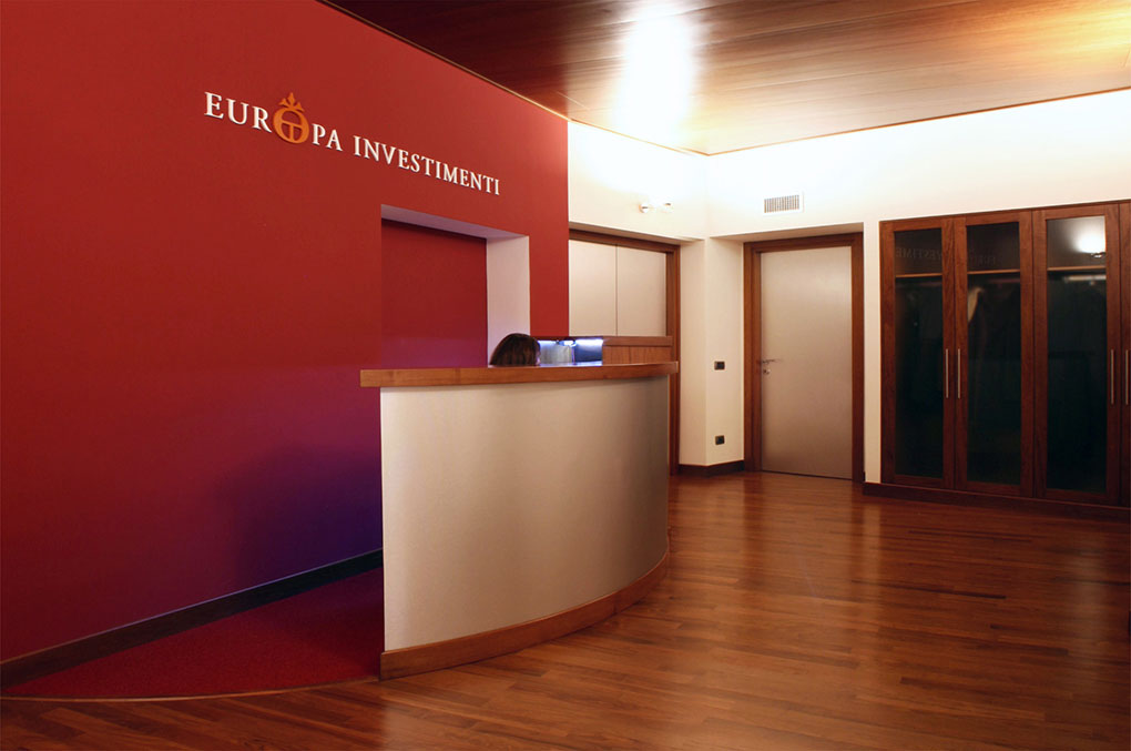 Arredamento uffici - Europa Investimenti - Reception