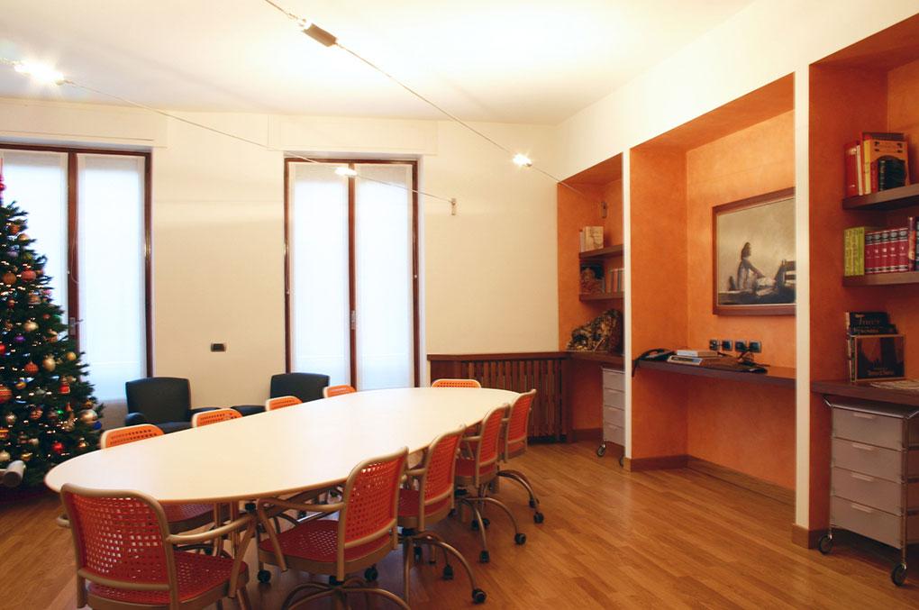 Arredamento uffici - Europa Investimenti - Sala riunione falegnamerie su misura