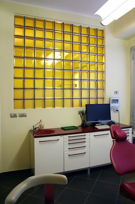 Studio dentistico via Cannobio - Sala riunito